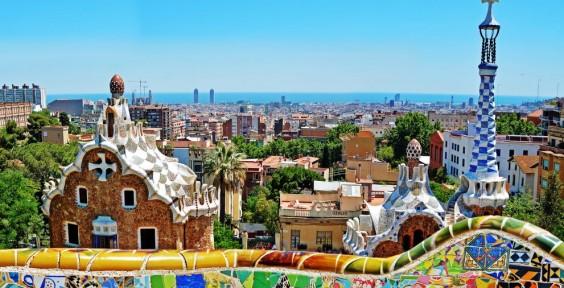 Barcelona é considerada uma das cidades mais inteligentes da Europa. O tráfego e estacionamento são controlados por sensores